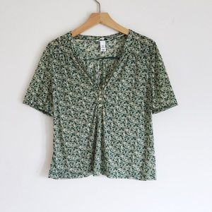 Green floral pattern blouse shirt small